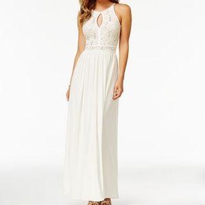 🆕️ MORGAN & CO - LONG LACE HALTER DRESS